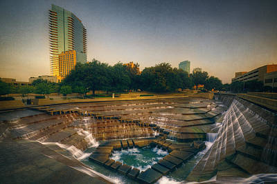 Fort Worth Texas Photograph - Water Gardens Active Pool by Joan Carroll