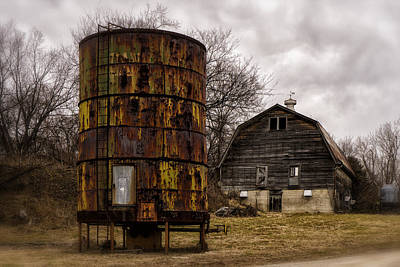 Photograph - Water Tank And Barn St Charles Mo Dsc00366 by Greg Kluempers