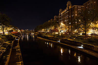 Photograph - Waterway At The Plaza by Sennie Pierson