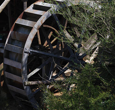 Photograph - Waterwheel by Lee Hartsell