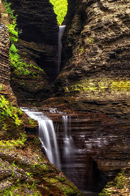 Watkins Glen New York Photograph - Watkins Glen Cavern Cascade by Mark Papke