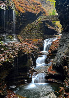 Que Photograph - Watkins Glen by Frozen in Time Fine Art Photography