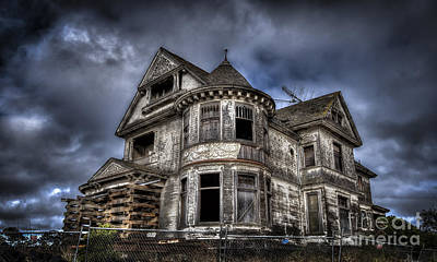 Haunted Mansion Digital Art - Watsonville Mansion by Christopher Cutter