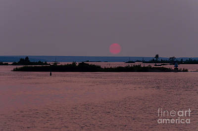 Photograph - Waubaushene Sunset by Les Palenik