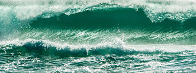 Photograph - Wave 30 by Alistair Lyne