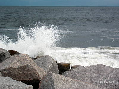 Wave Breaks On Rocks Art Print by Tammy Wallace