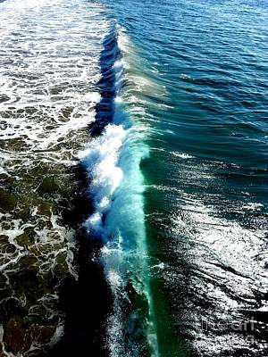 Photograph - Wave Line by Fei Alexander