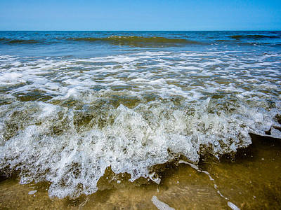 Photograph - Wave On The Shore by Martin Liebermann
