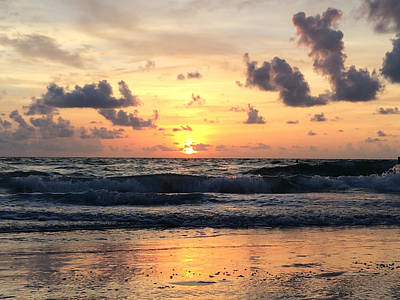Wave To Sun Art Print