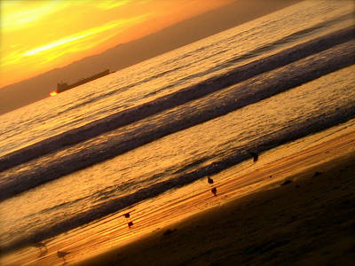 Los Angeles Photograph - Waves by JBDSGND OsoPorto