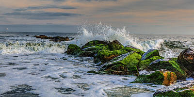 Waves On The Jetty Art Print by David Hahn