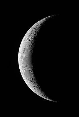 Crescent Moon Photograph - Waxing Crescent Moon by Luis Argerich