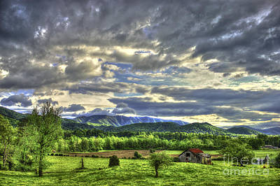 Photograph - Wears Valley Barn Great Smokey Mountains by Reid Callaway