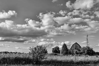Illinois Barns Photograph - Weather Barn by Lauri Novak