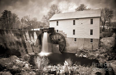 Photograph - Weathered Mill by Dan Carmichael