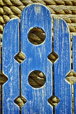 Photograph - Weathered Seat Back And Rope by Gary Slawsky