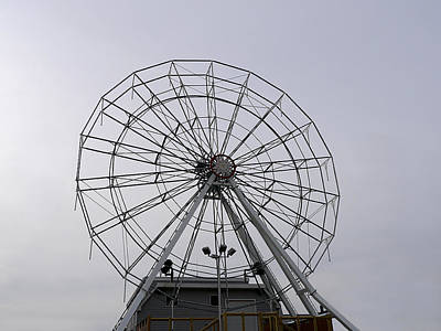 Photograph - Web Wheel by Richard Reeve