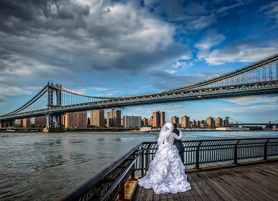 Wedding Photos At The Manhattan Bridge Art Print