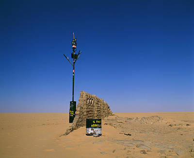 Marker Wall Art - Photograph - Well-marker In Tenere Desert (sahara) by Tony Buxton/science Photo Library