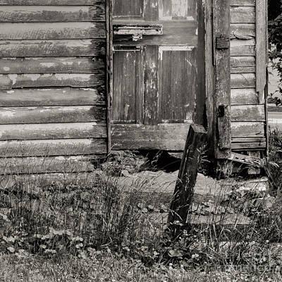 Mosby Photograph - Well Worn by Arlene Carmel