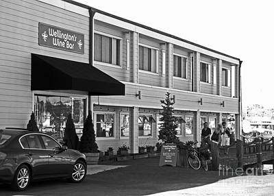 Sausalito Photograph - Wellingtons Wine Bar Bw by Connie Fox
