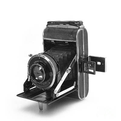 Photograph - Welta Perle Camera by Paul Cowan
