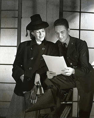 Military Photograph - Wendy Barrie And Corporal Marion Hargrove by Horst P. Horst
