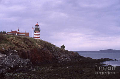 Lubeck Photograph - West Quoddy Head Light by Bruce Roberts