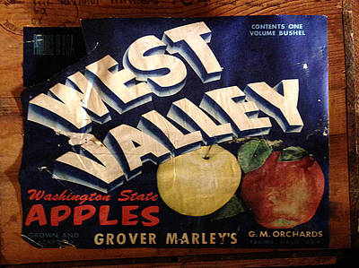 Photograph - West Valley Apples Crate Label by Richard Reeve