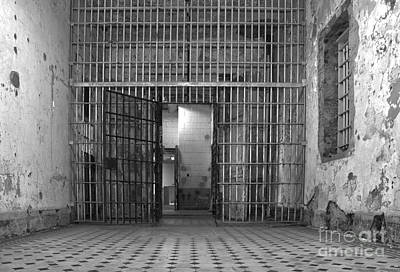 Photograph - West Virginia Penitentiary by Jeannette Hunt