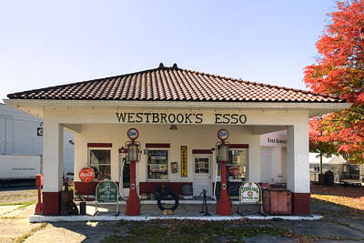 Photograph - Westbrook's Filling Station by Gene Walls