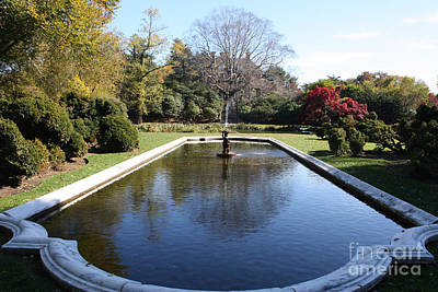 Photograph - Westbury Garden Fountain by John Telfer