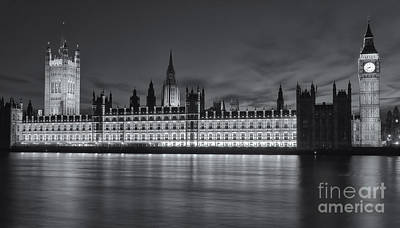Photograph - Westminster Twilight Iv by Clarence Holmes