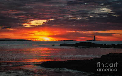 Whaleback Lighthouse Art Print by Scott Thorp