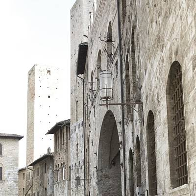 Photograph - What These Walls Have Seen - Tuscany by Lisa Parrish