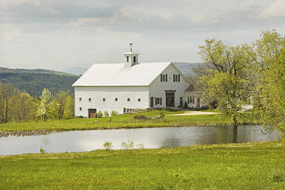 Maine Farms Photograph - White Barn On Farm In Maine Fine Art Prints by Keith Webber Jr