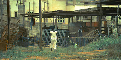 Photograph - White Dress, Ghana by Ronda Broatch