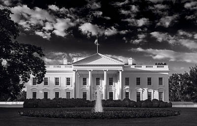 White House Photograph - White House Sunrise B W by Steve Gadomski