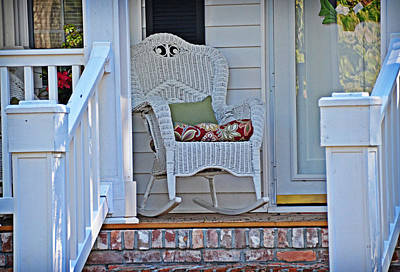 Photograph - White Wicker by Linda Brown