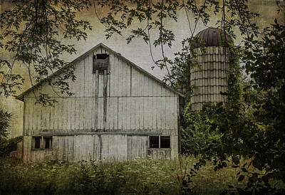 Photograph - White Wisconsin Barn by Kathleen Scanlan