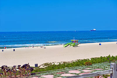 Photograph - Wide Sandy Beach Lifeguard Station by David Zanzinger