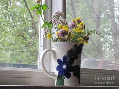 Photograph - Wildflowers In Vase by Elizabeth Stedman