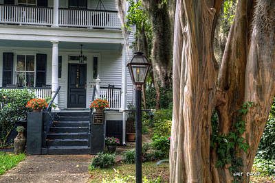 Gas Lamp Photograph - William Waterhouse Home by Walt  Baker