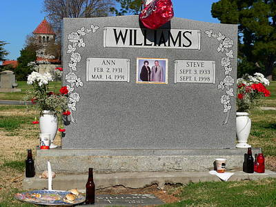 Photograph - Williams Grave by Jeff Lowe