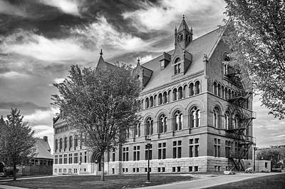 Photograph - Williams Hall At Uvm  7d09258 by Guy Whiteley