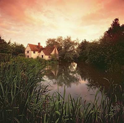 Photograph - Willie Lott's Cottage, Flatford by Robert Hallman