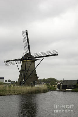 Windmill At Kinderdijk Art Print