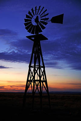 Photograph - Windmill At Sunset by Daniel Woodrum