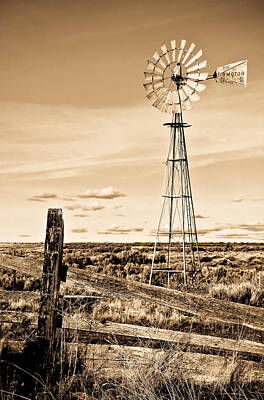 Photograph - Windmill Country Style by Athena Mckinzie