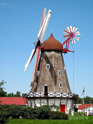 Photograph - Windmill In Iowa by Phyllis Kaltenbach